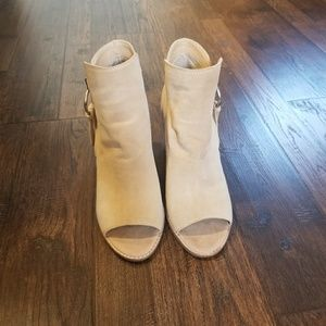 Dolce Vita Suede Ankle Booties Size 9
